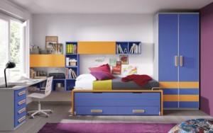 Яркая детская комната(шкаф, кровать и стол)